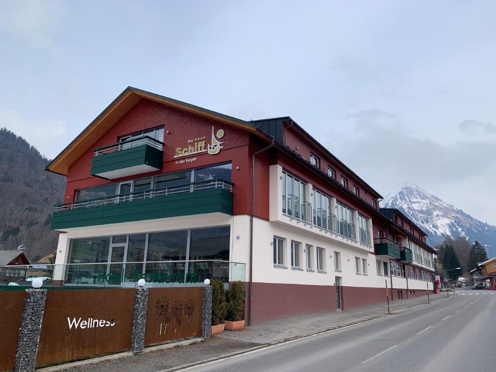 Hotel Schiff, Au